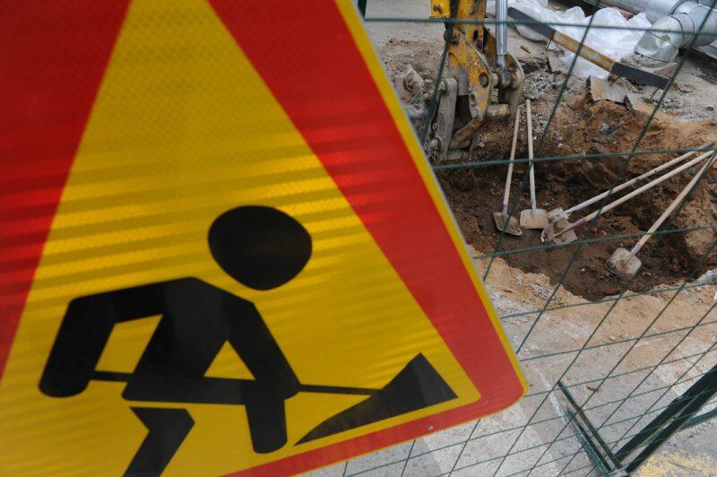 В Волгограде в мороз ремонтируют дорогу в Краснооктябрьском районе