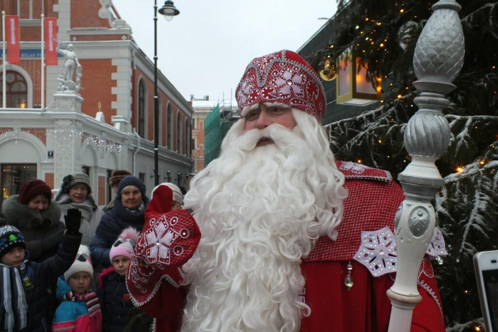 С 27 декабря в Волгограде начнет работать передвижная резиденция Деда Мороза