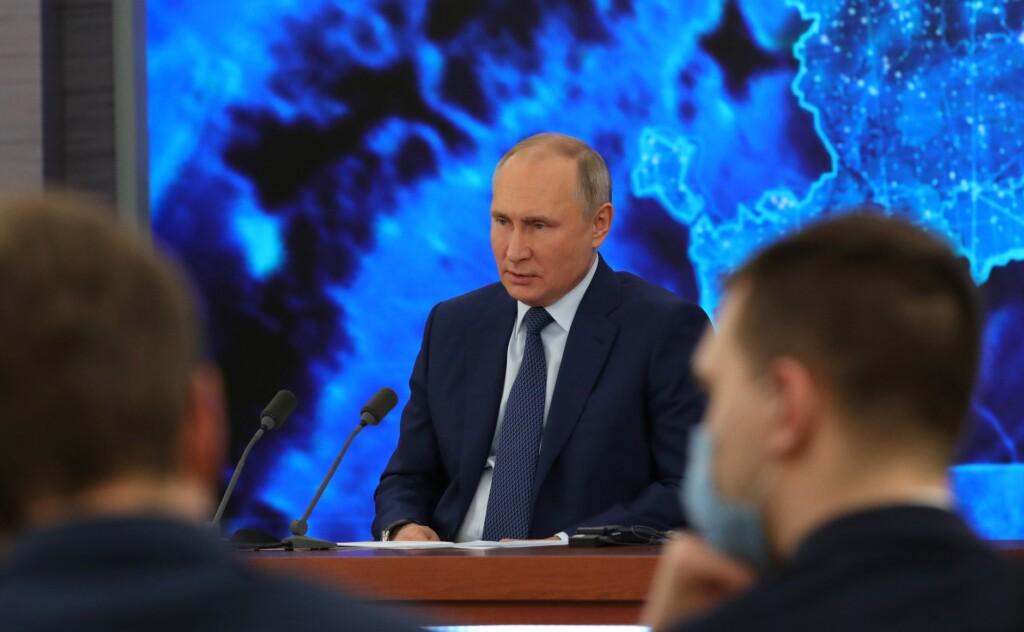 «Не отличит геморрой от ангины»: Путин попросил отнестись с уважением к пожилому фельдшеру