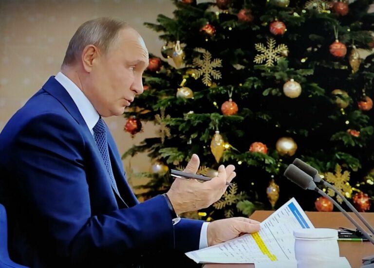 «В СССР работающим пенсионерам пенсию вообще не платили»: Путин о возвращении индексации пенсий