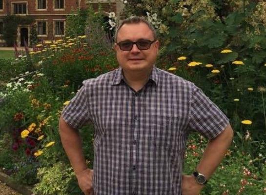 Волгоградский профессор Михаил Анипкин издал книгу, в которой попытался объяснить причины кризиса в правящей партии