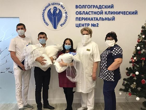 В семье из Суровикино родилась первая в 2020 году тройня