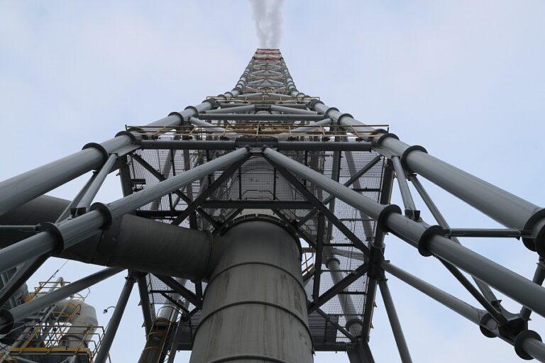 За 30 миллиардов рублей обещают уменьшить вредные выбросы с волгоградских заводов