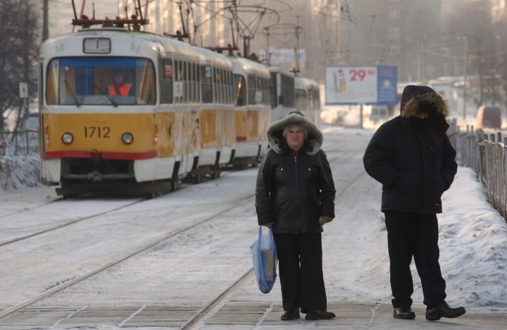 22 февраля коммунальщики обещают чистить дороги Волгограда весь день