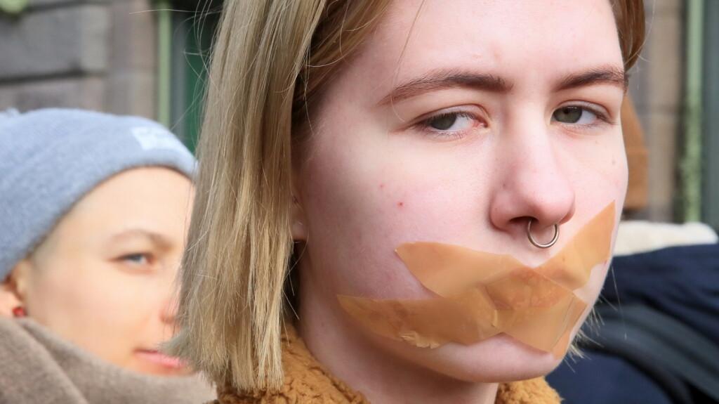 «Запрещено проведение митингов, флешмобов»: накануне 23 января волгоградцам напомнили о ковидных запретах