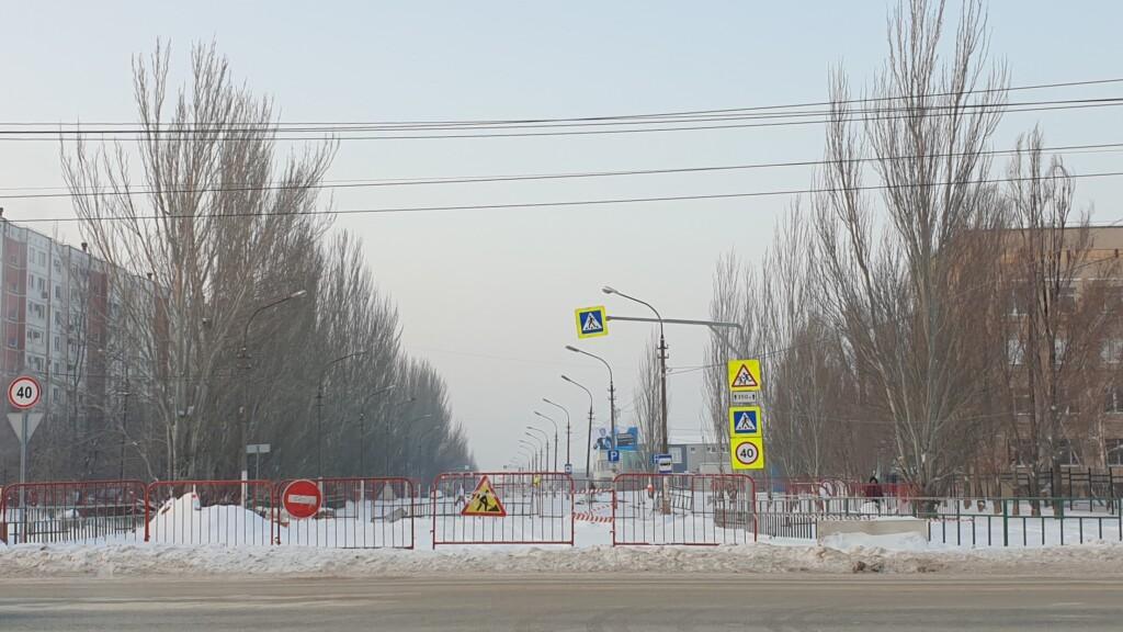 22 января в Волжском откроют дорогу, разрушенную из-за трагического прорыва трубы
