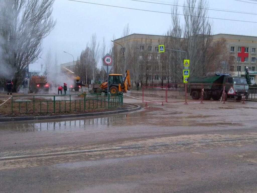 194 дома остались без горячей воды и отопления из-за аварии на теплосетях в Волжском