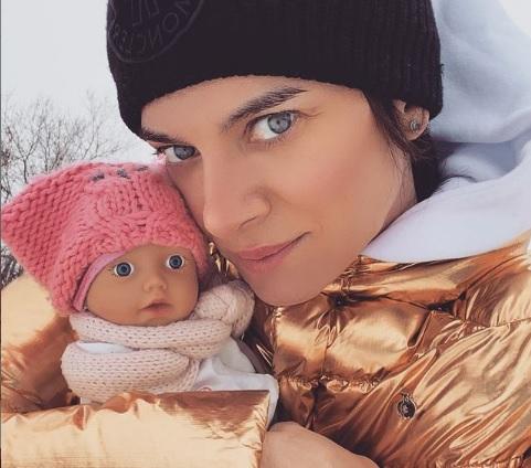 """38-летняя Елена Исинбаева стала """"бабушкой"""""""