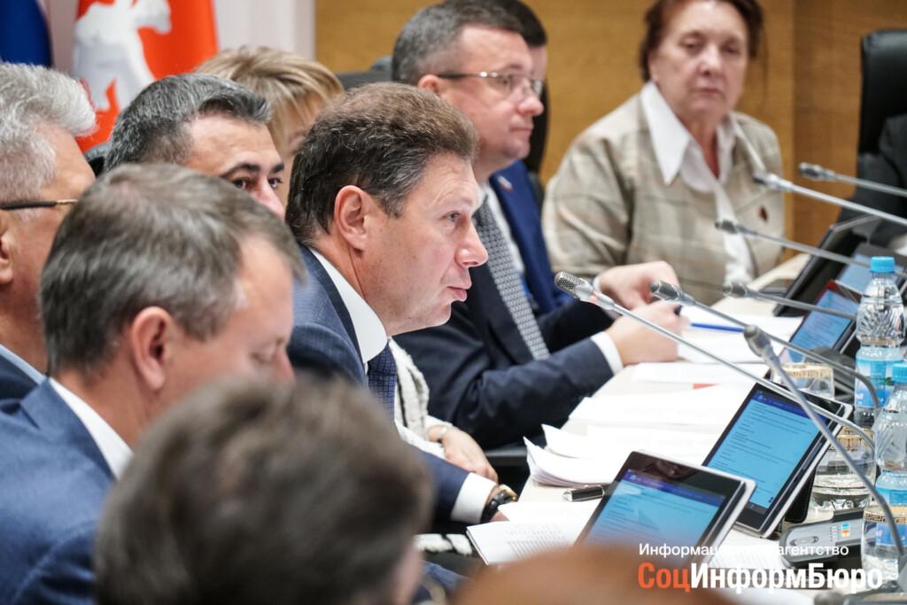 Депутат Станислав Коротков вывозит активы из Волгограда