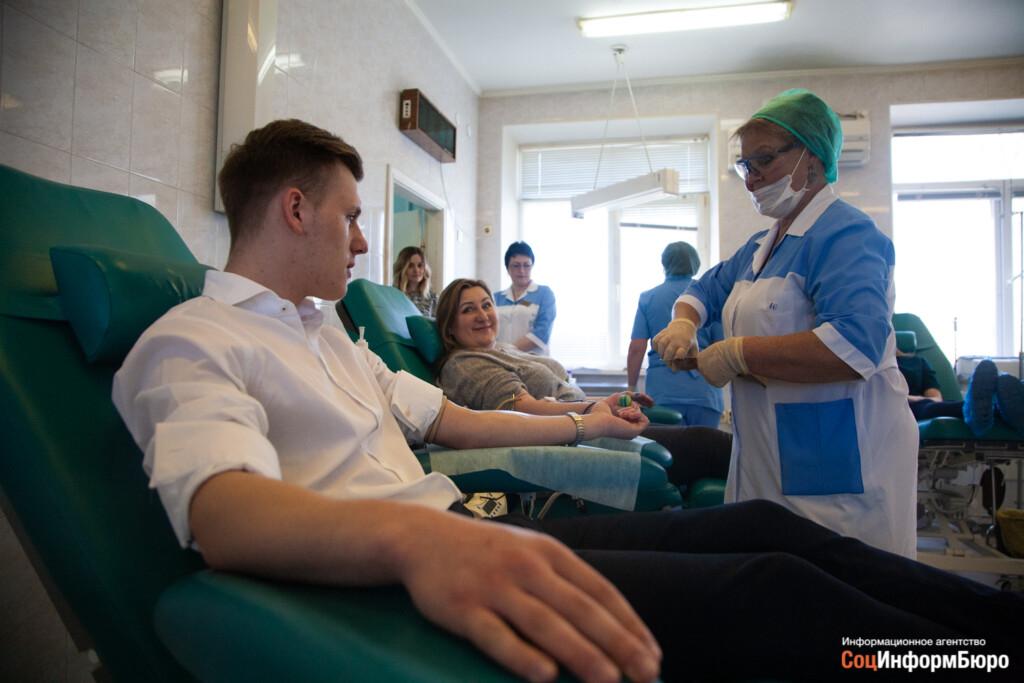 «Быть героем, действительно, просто». За 3 месяца 1300 человек стали донорами антиковидной плазмы