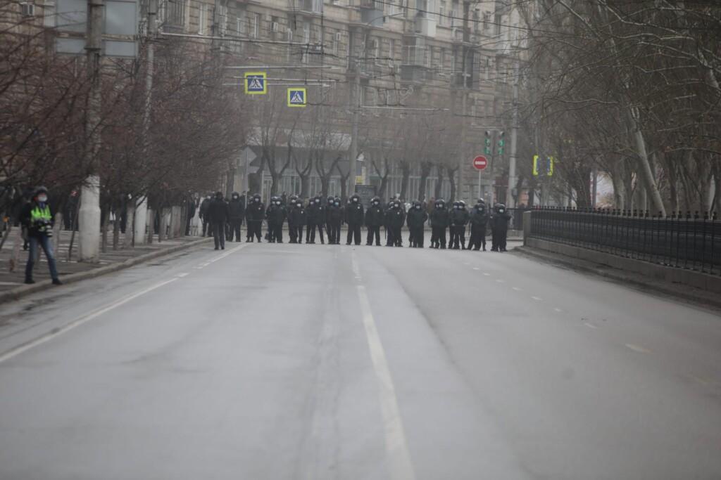 """""""Весь выходной день пошел наперекосяк"""": центр Волгограда в воскресенье оказался перекрыт"""