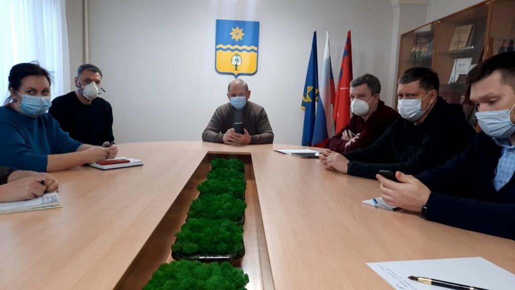Мэр Волжского поручил оказать помощь семье погибшего и пострадавшим в результате порыва на теплосети