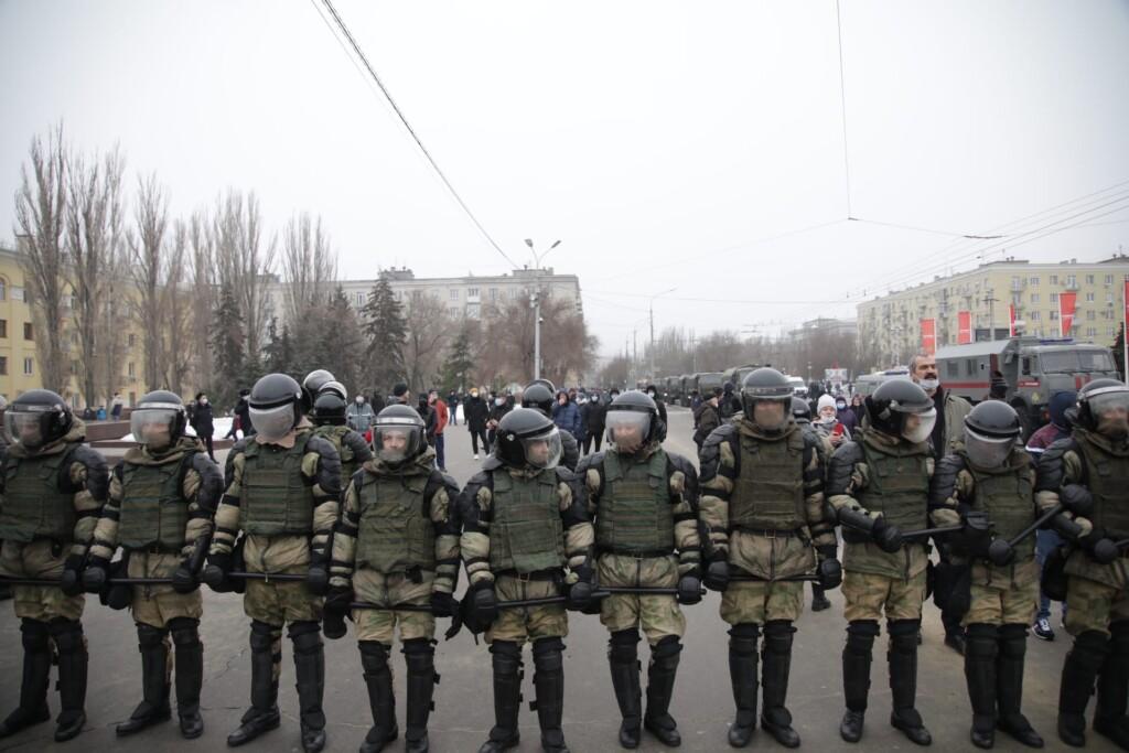 Городскую и областную администрации оцепили в Волгограде
