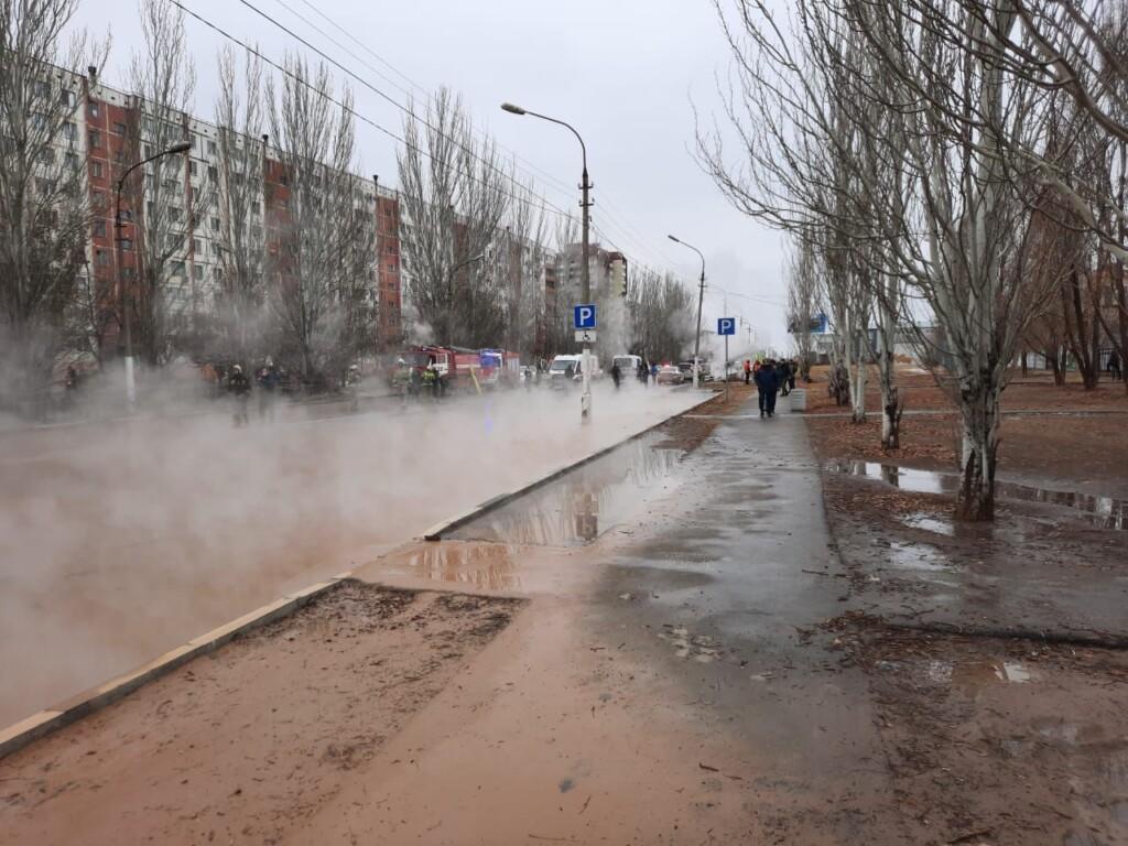 В Волжском из-за порыва труб горячего водоснабжения в больницу с ожогами попали несколько человек