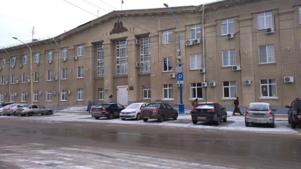 В мэрии Волжского оправдались за отмену полумиллиардного аукциона на ремонт дорог