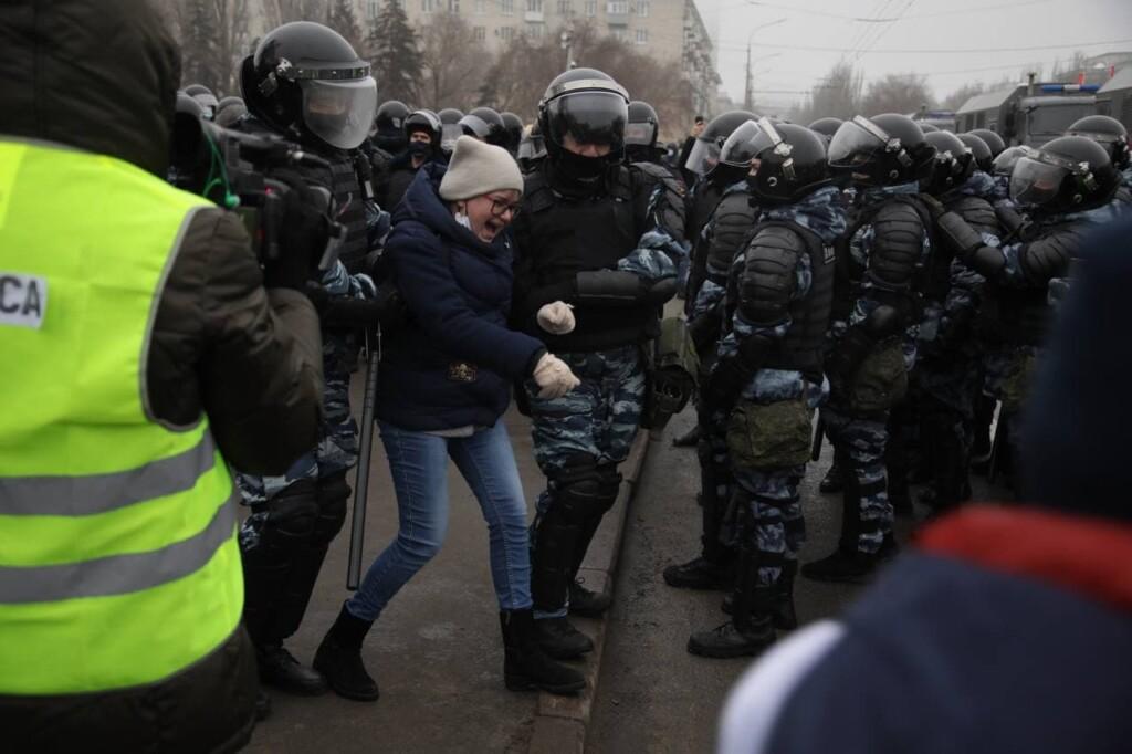 """""""Самых буйных задержали, остальные разошлись"""": акция протеста в Волгограде 31 января продлилась 15 минут"""
