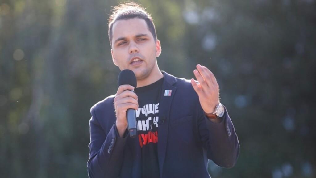 Главного в Волгограде навальновца арестовали почти на месяц