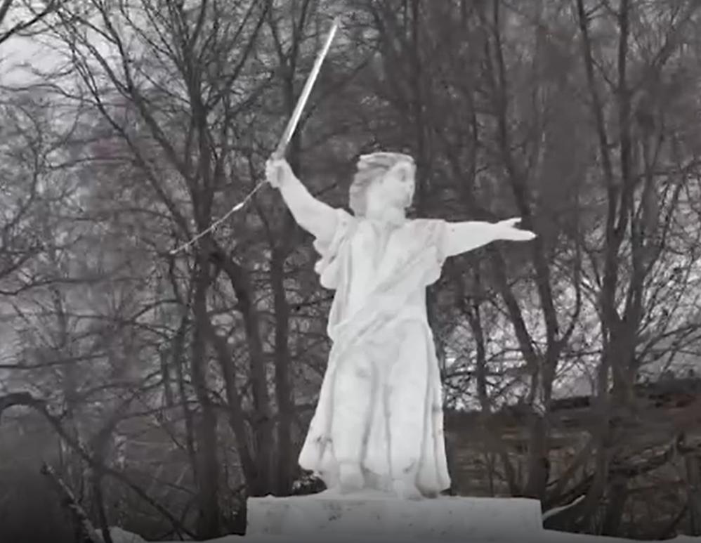 В Кемеровской области появилась своя скульптура Родина-мать