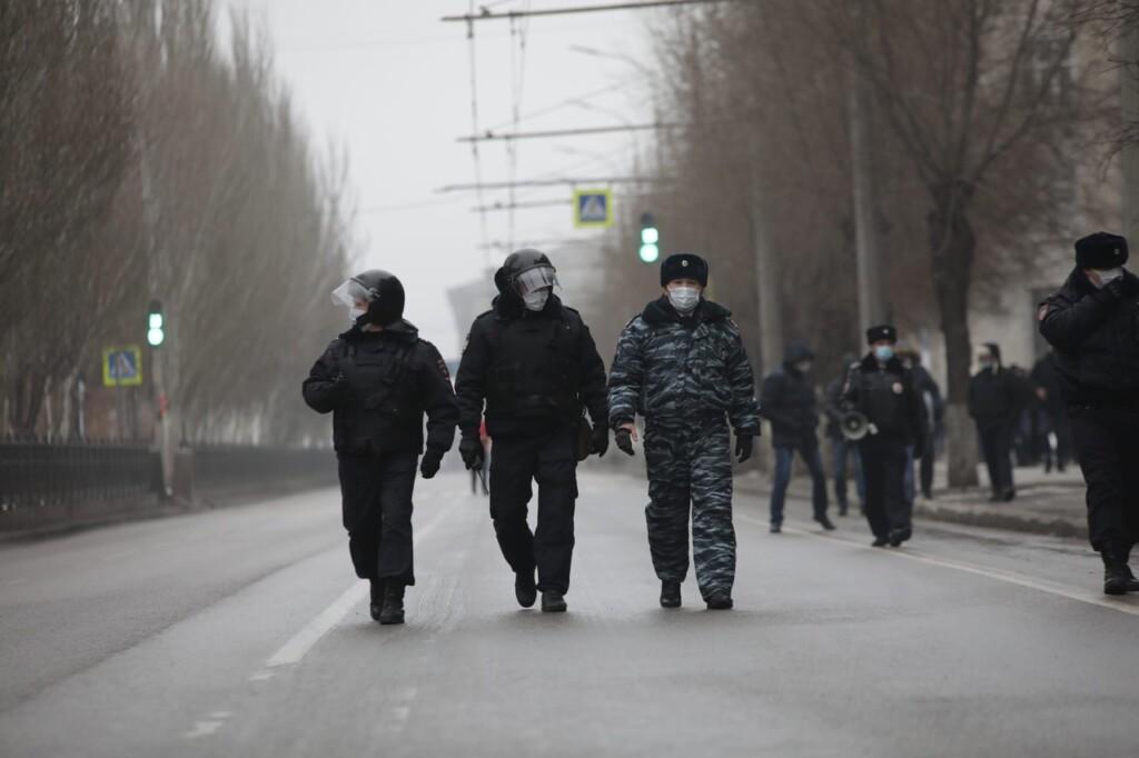 В Волгограде 30 человек ответили за участие в митинге 31 января
