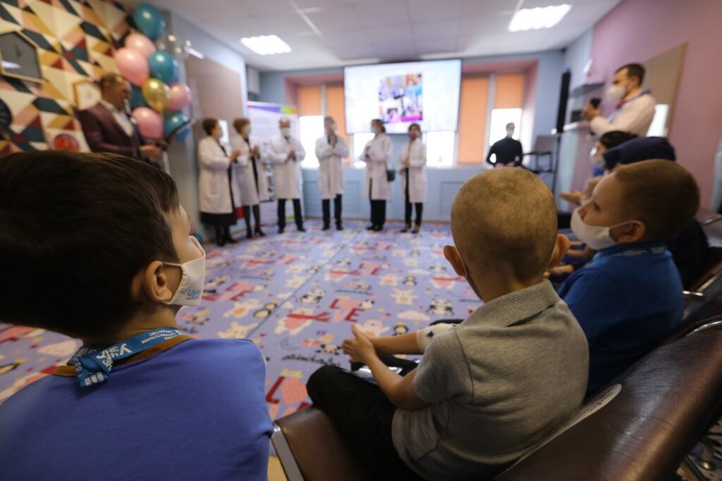 В волгоградском онкоцентре открыли учебный класс для детей