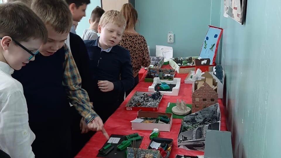 Школьники Волжского воссоздали военный Сталинград в макетах