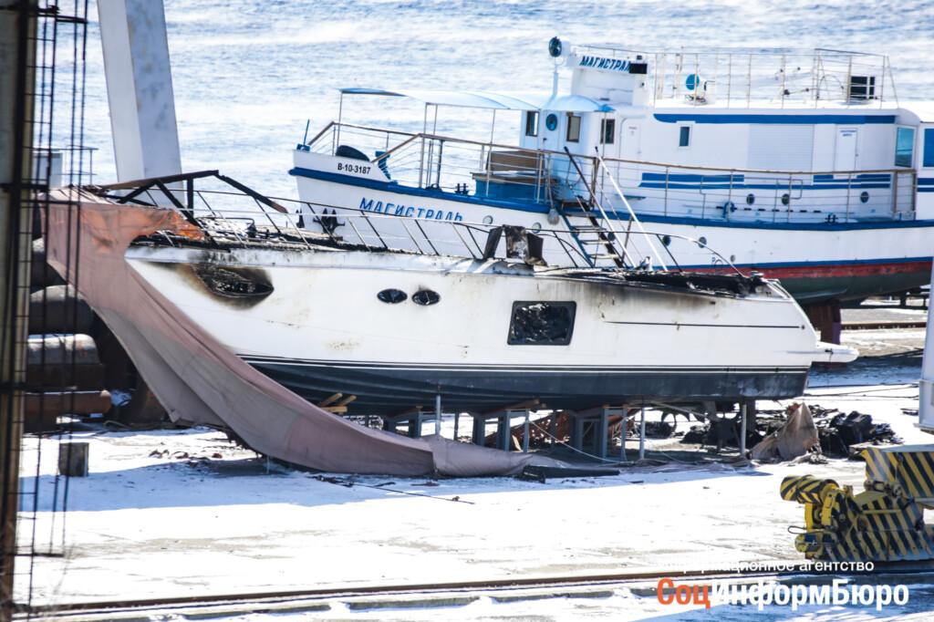В Волгограде сгорела «Принцесса». Собрали всё, что известно о лодке vip-класса