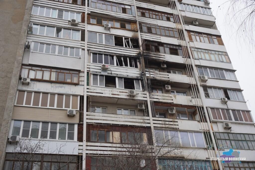 «Причина — непотушенная сигарета»: крупный пожар случился в центре Волжского
