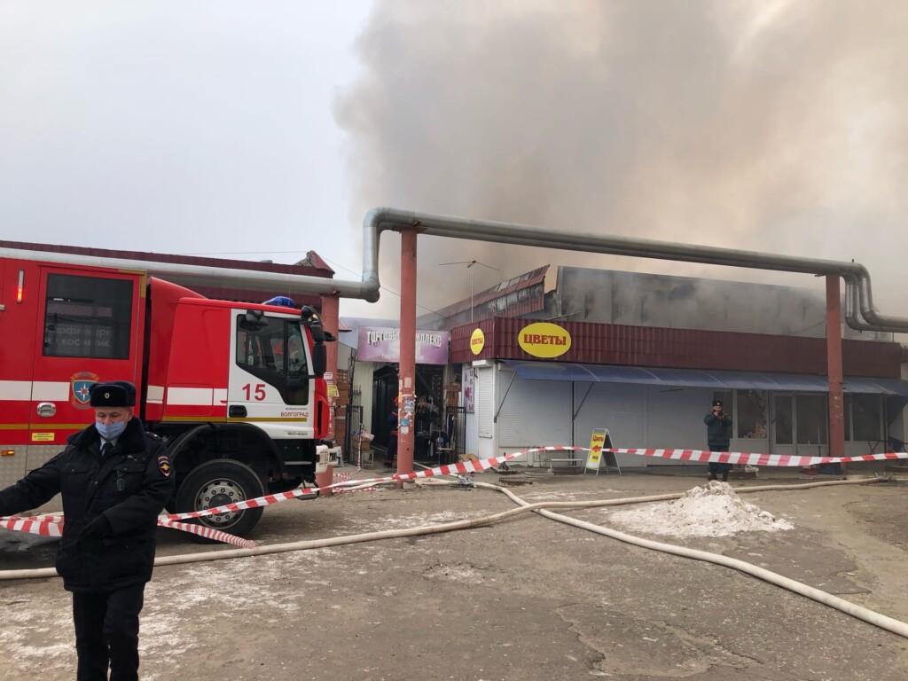 Пожар на Качинском рынке ликвидирован, но движение не открыто
