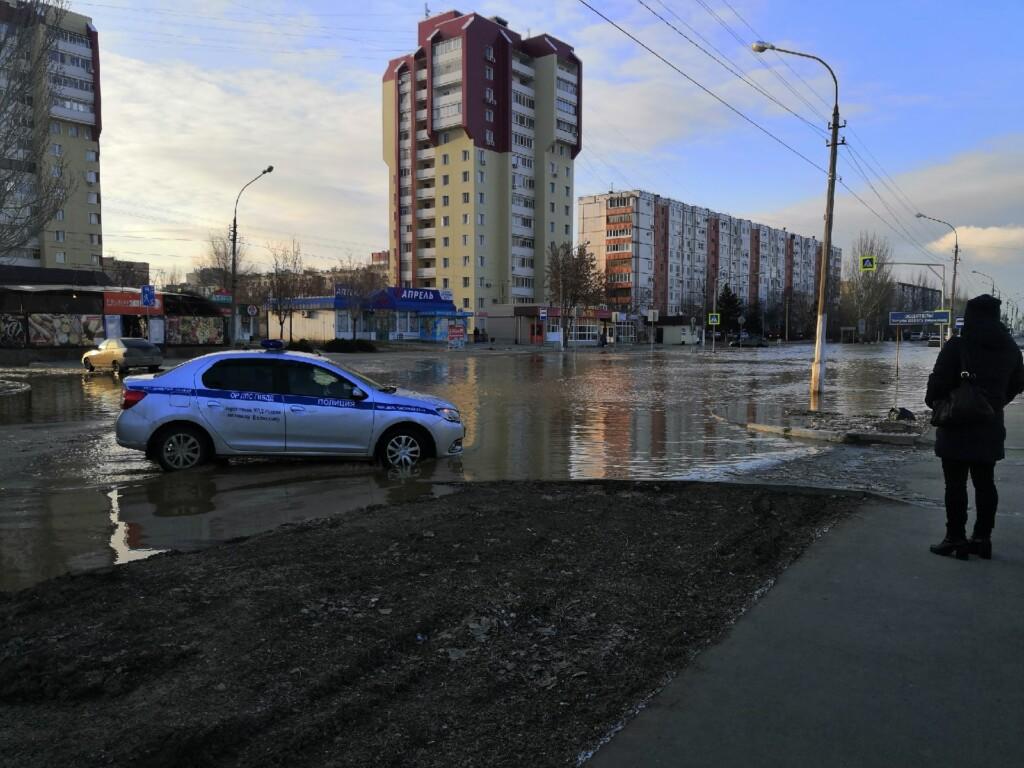 В Волжском под водой вновь оказалась улица Оломоуцкая