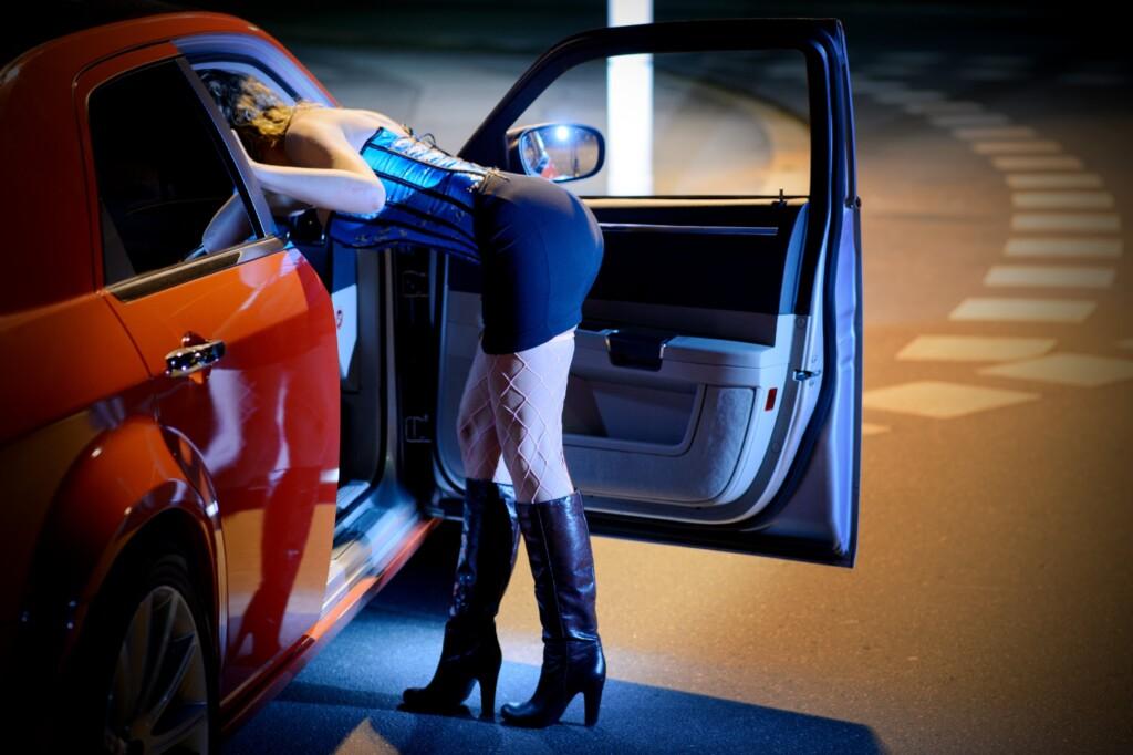 Мулатки, толстушки и Зинаида Львовна: В сеть слили данные 111 тысяч проституток Москвы и Питера