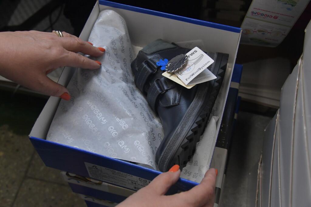 В Городищеском районе арестовали женскую обувь на 300 тысяч рублей