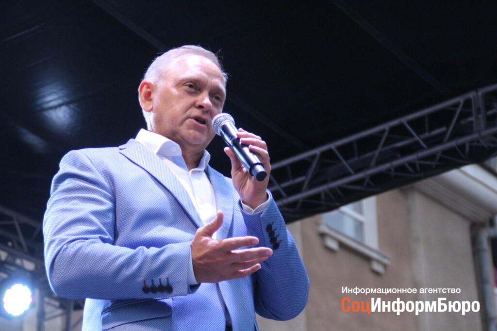 Не в пример региональным чиновникам: мэр Волжского отчитается перед горожанами в  ZOOMе