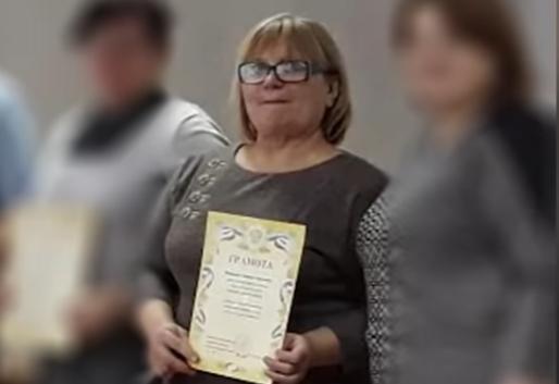 Слезы не помогли: подозреваемую в мошенничестве учительницу из Волгограда оставили под стражей
