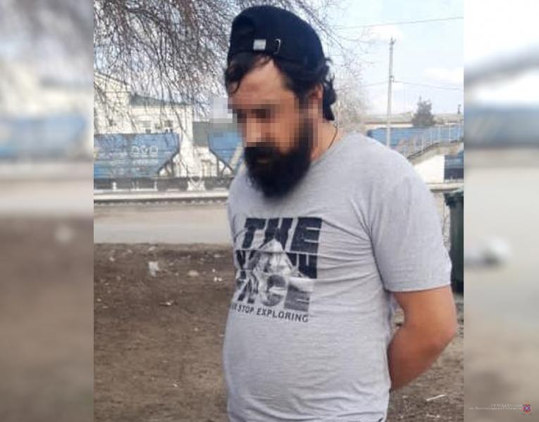 36-летний житель Фролово прикидывался девушками легкого поведения