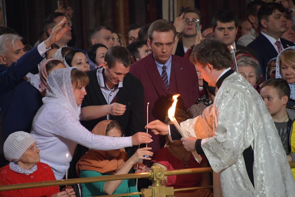 Стало известно, когда в Волгоград доставят Благодатный огонь