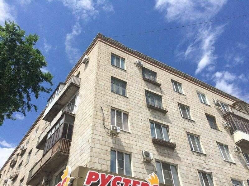 Капитальный ремонт охватил фасад дома №2 на улице Невской