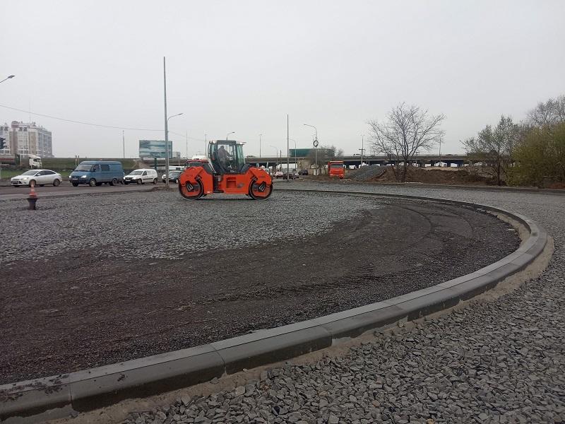 В Волгограде завершается строительство круговой развязки на улице Землячки