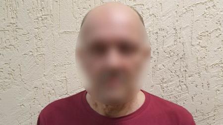 «В маске и очках»: в Камышине пойман разбойник, грабивший один и тот же офис микрозаймов