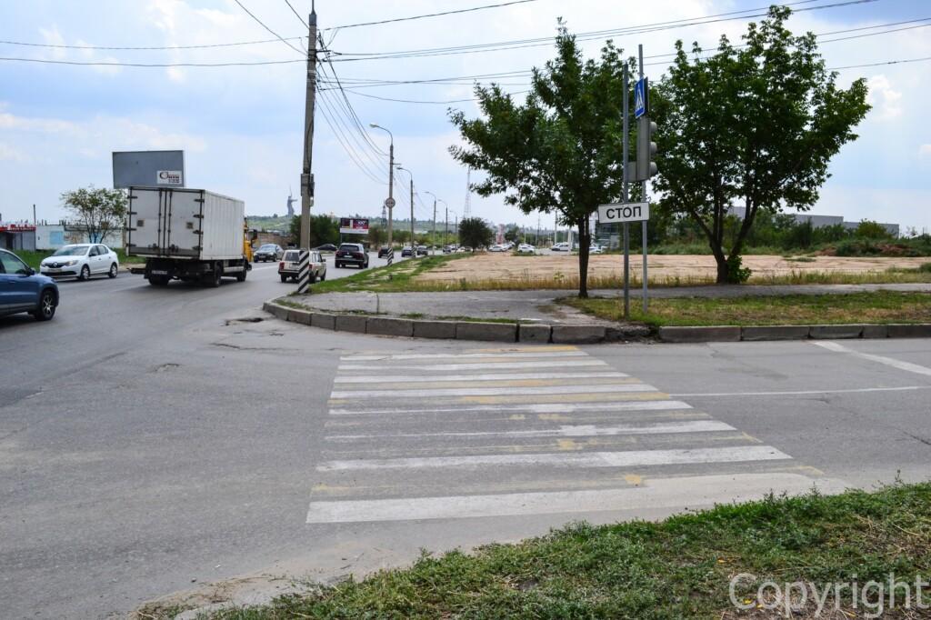 В Волгограде рисуют дорожную разметку за 62 млн рублей