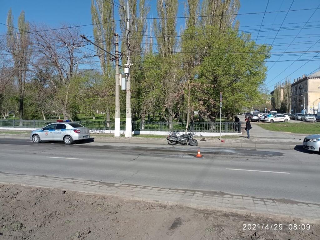 В Волгограде мотоциклист обгорел из-за перевернувшегося и загоревшегося мотоцикла
