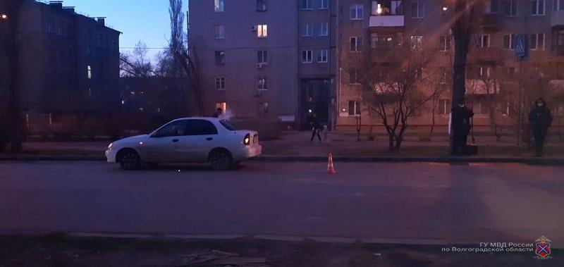 10-летнюю девочку сбил автомобиль на пешеходном переходе в Волгограде