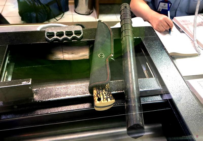 В машине у 43-летнего волгоградца нашли резиновую дубинку, нож и кастет