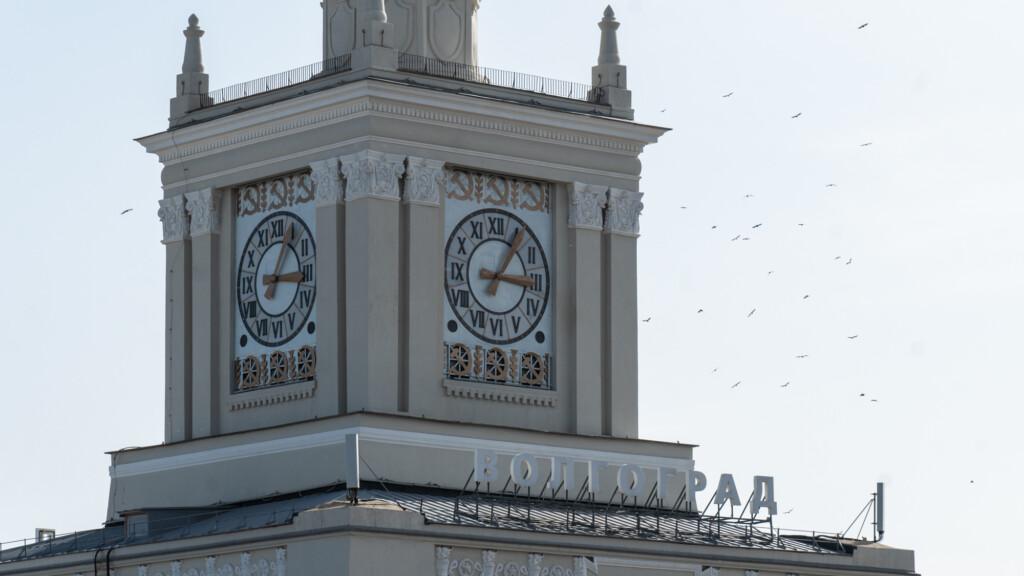 Сторонники московского времени требуют от избиркома провести проверку сбора подписей за референдум и огласить результаты