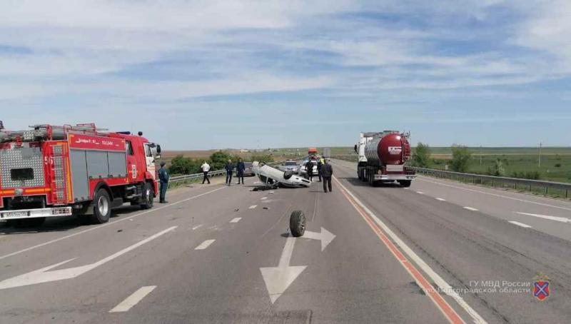 """Лихач на """"Приоре"""" угробил свою пассажирку на трассе в Волгоградской области"""
