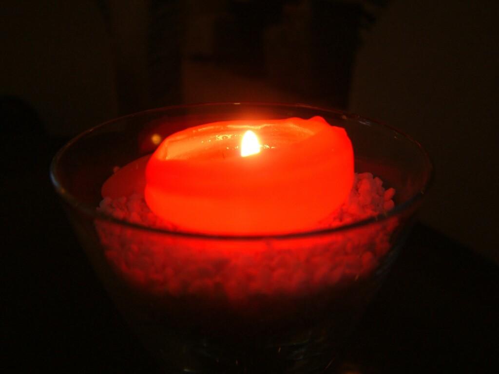 Ребенок погиб в Суровикино из-за восковой свечи