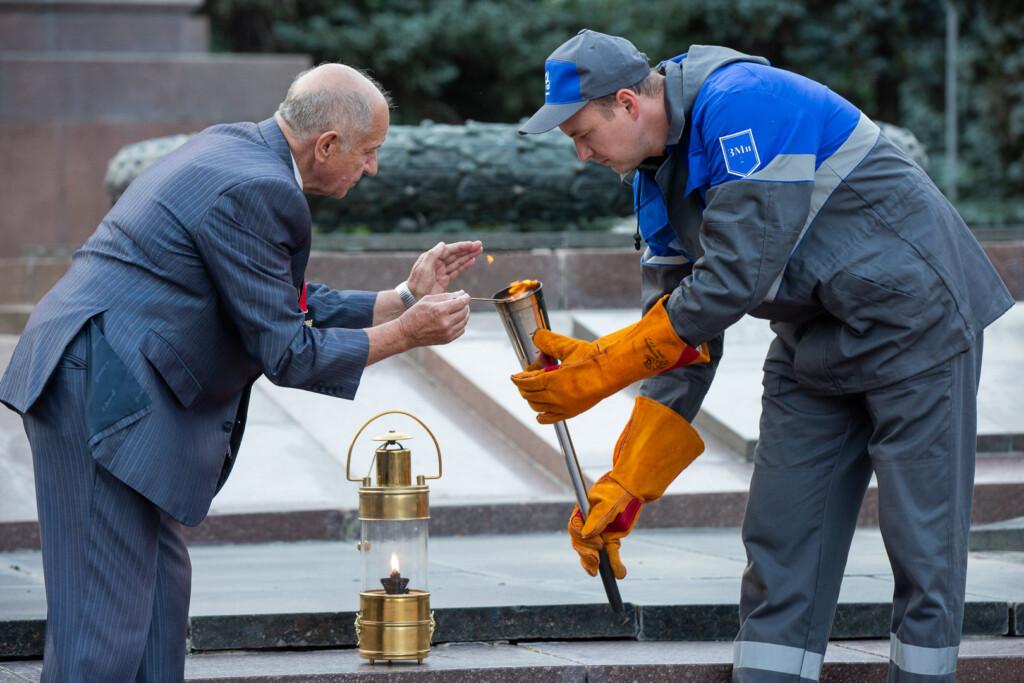 В Волгограде перенесли Вечный огонь в лампаду