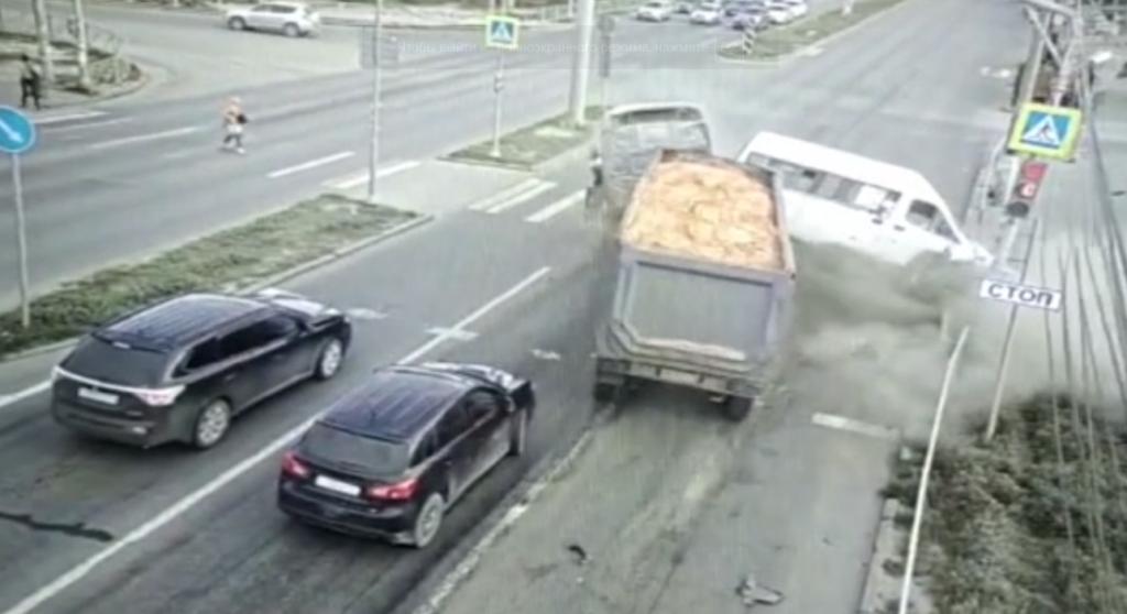 Стали известны подробности страшного ДТП в Советском районе