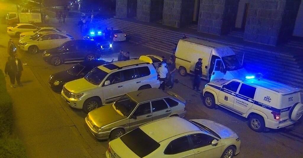 В Волгограде задержан напавший с пистолетом и ножом в центре города