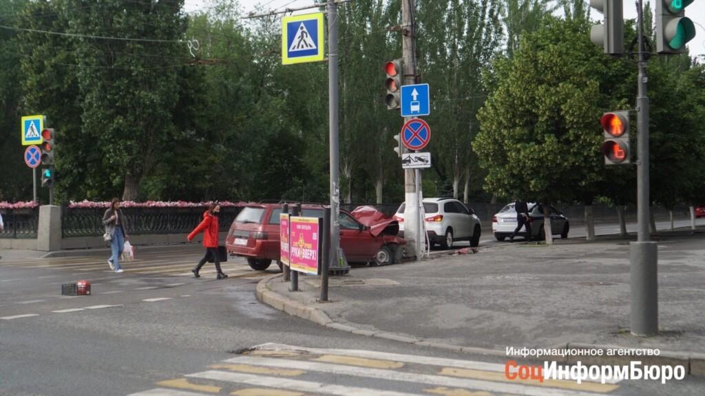 Стали известны подробности аварии на перекрестке проспекта Ленина и улицы Гагарина