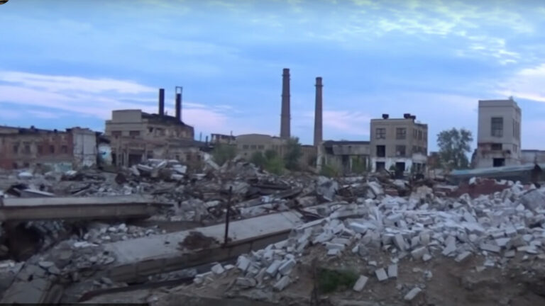 Развалины легендарного тракторного завода в Волгограде остались без покупателя